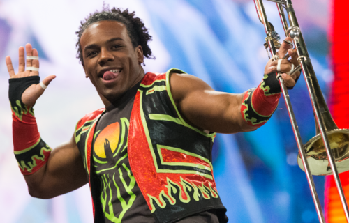 Xavier Woods apparently injured during Live Event